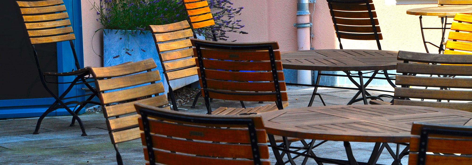 7_Terrasse-im-Sommer